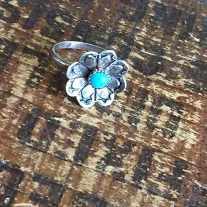 Vintage sterling silver and turquoise flower ring